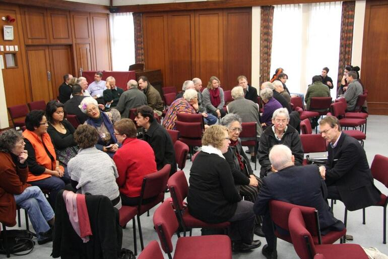The Saturday forum broke into small groups for discussion, and the generation of further questions for Bishop Katharine.