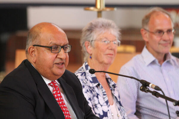 Sir Anand Satyanand, Chair of the Ma Whea Commission – alongside Dame Justice Judith Potter, and Professor Paul Trebilco.