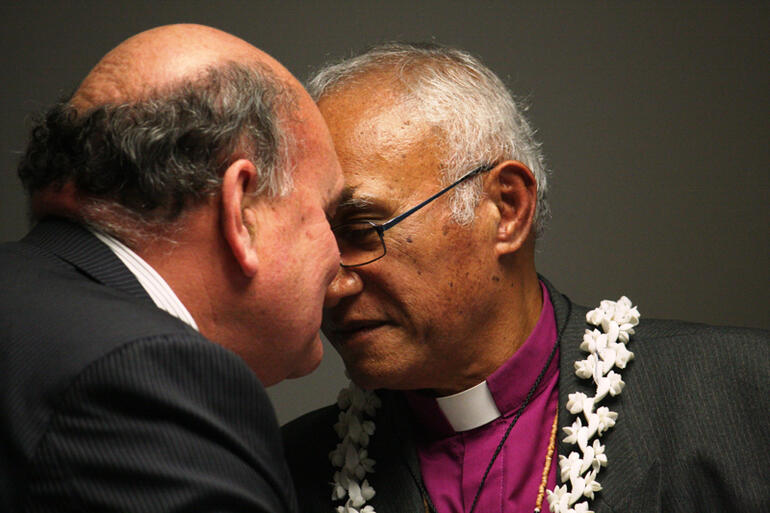 Herewini Parata passes on the greetings and congratulations of Tikanga Maori to the new Bishop.