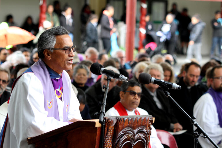 A Ratana Apotoro speaking during the church service.