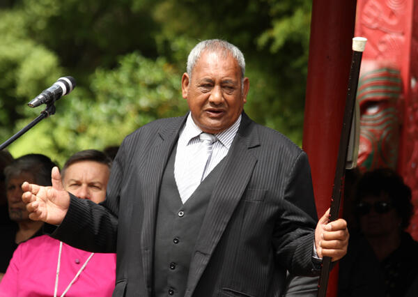 Toiamoko Manaia (Ngati Raukawa),the first orator for Kingitanga, launches into his mihi at Turangawaewae.