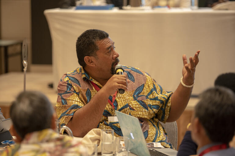 Fe'iloakitau Tevi adds a point during an Anglican Consultative Council debate.