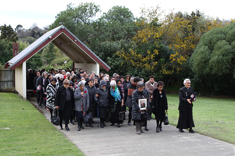 The karanga goes out, and the manuhiri proceed on to Whakatu Marae for the powhiri for 2017 Runanganui.