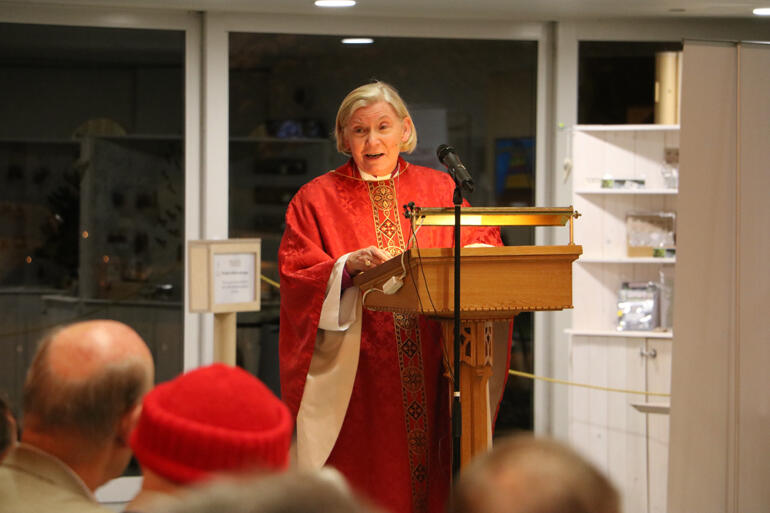 Bishop Victoria urges her flock not to be distracted: 'instead live lives transformed by the Gospel, transform others' lives, and make disciples.'