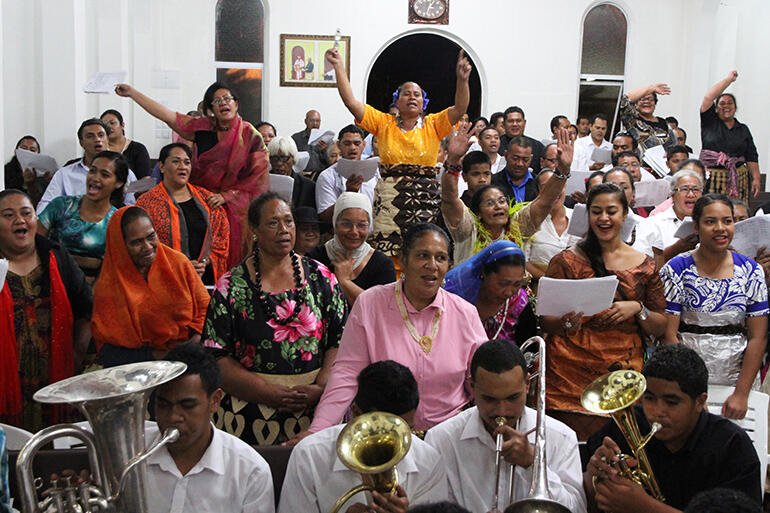 St Paul's Choir during the grand finale of the Po Hiva - the thanksgiving celebration which was held at St Paul's on the Sunday evening.
